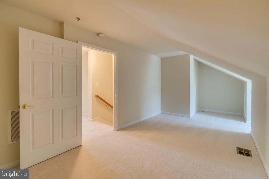 Upper Level 2 Bonus Room - 7750 MILFORD HAVEN DR #50D, LORTON