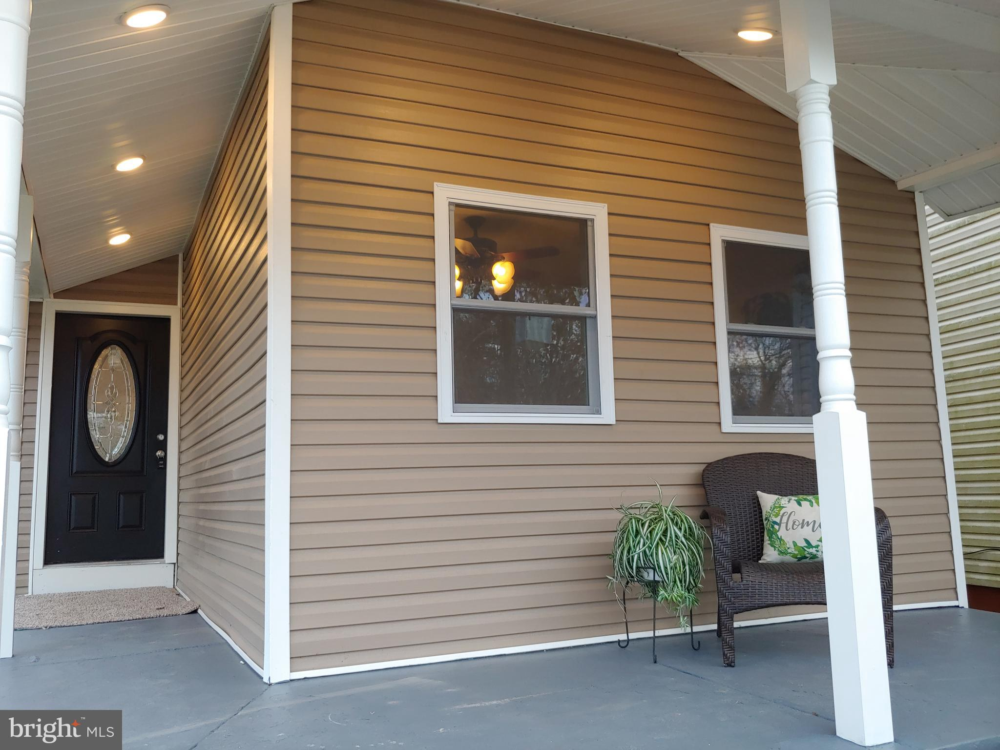 Covered Wrap-Around Porch w/Recessed Lighting
