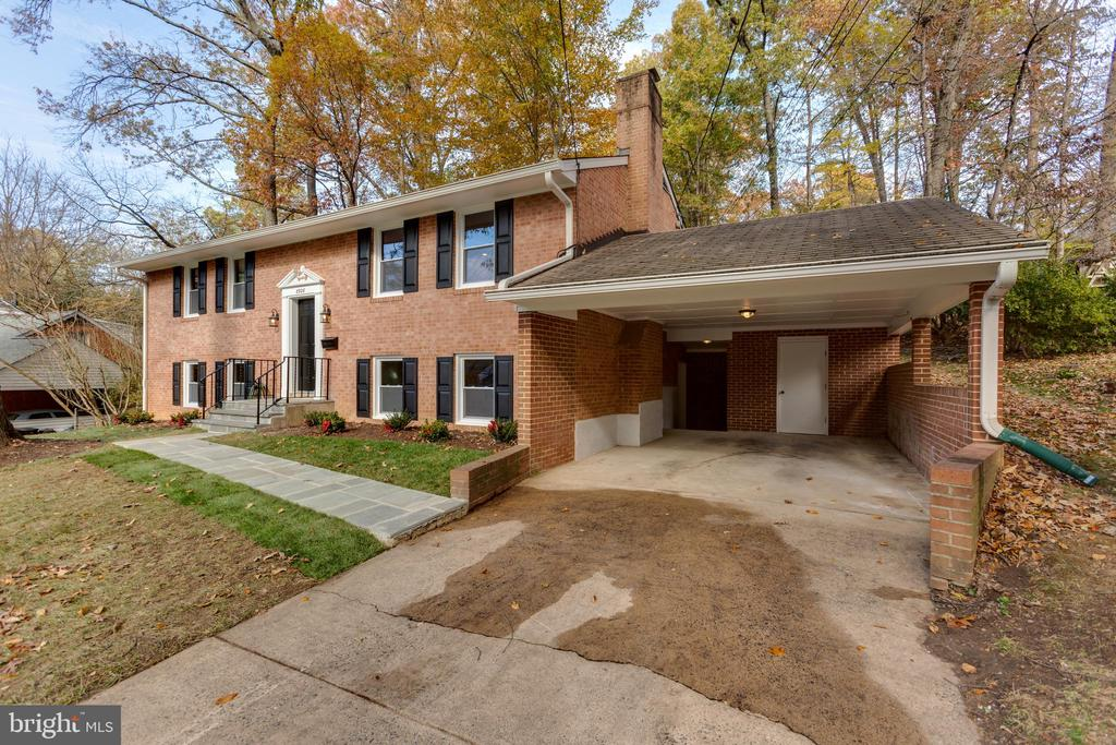Welcome Home! - 8928 MAURICE LN, ANNANDALE