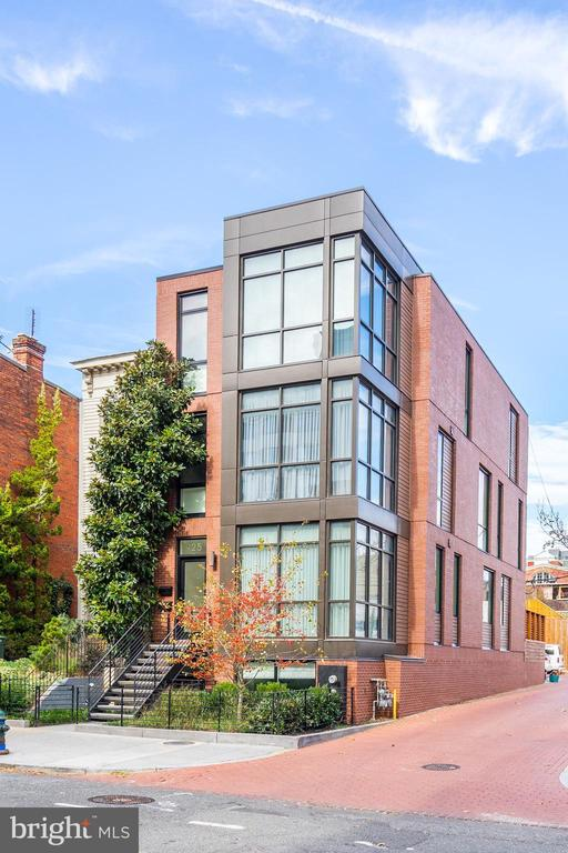 The chicest condo in the coolest location! - 925 M ST NW #2, WASHINGTON
