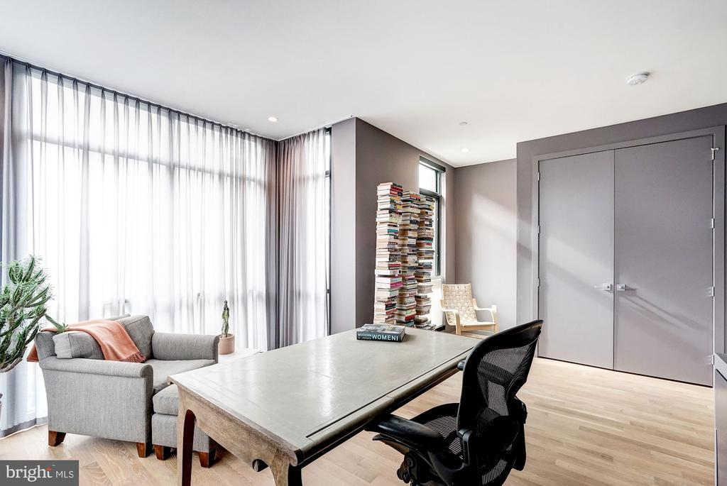 Office or Third Bedroom - 925 M ST NW #2, WASHINGTON