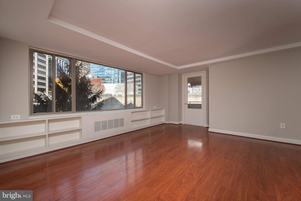 Living Room - 1121 ARLINGTON BLVD #430, ARLINGTON