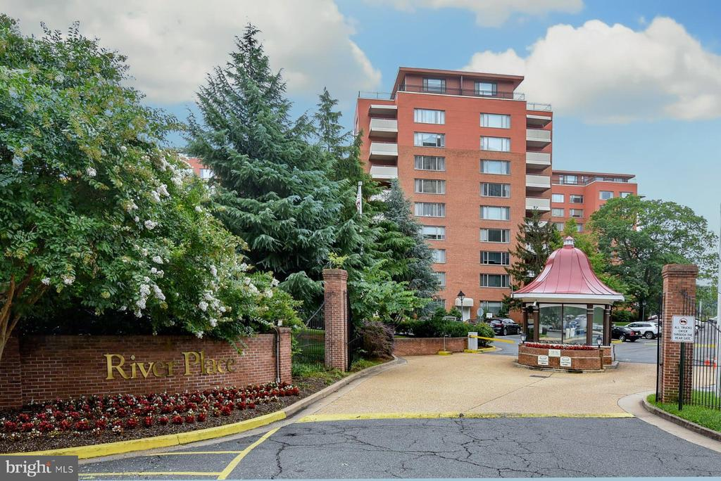 River Place - 1121 ARLINGTON BLVD #430, ARLINGTON