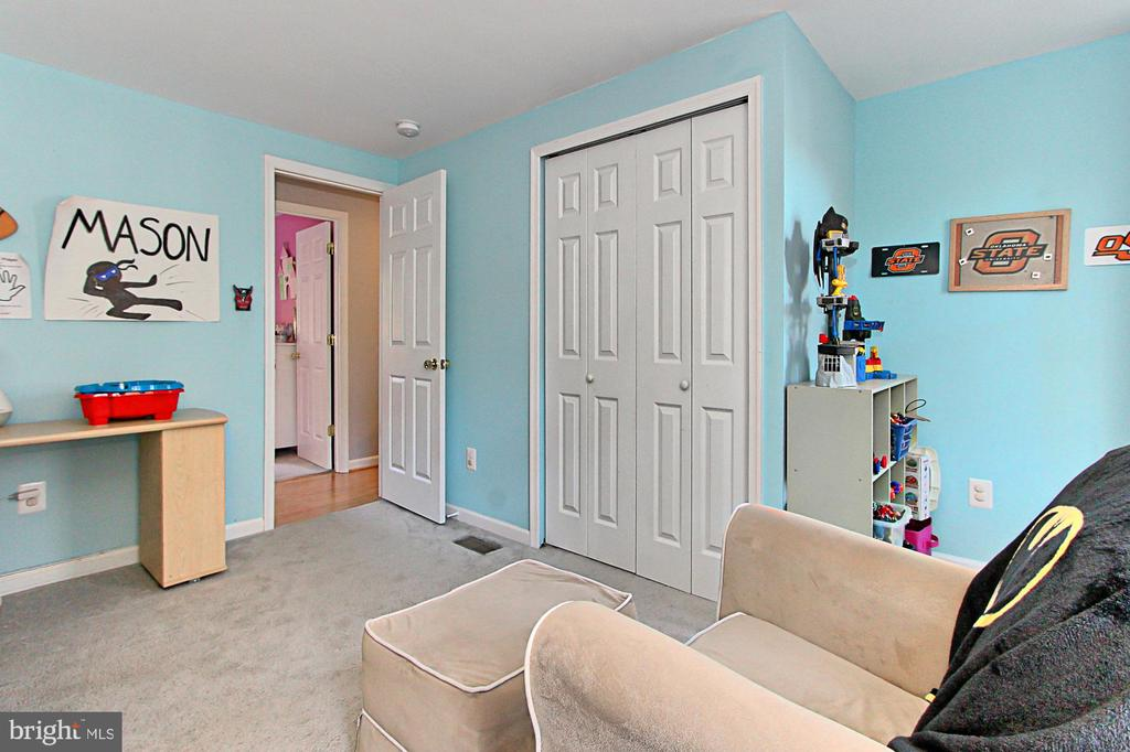 Bedroom #2 just the right size - 9924 MANET RD, BURKE