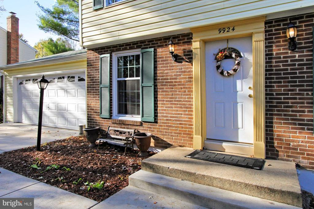 Welcome to your new home - 9924 MANET RD, BURKE