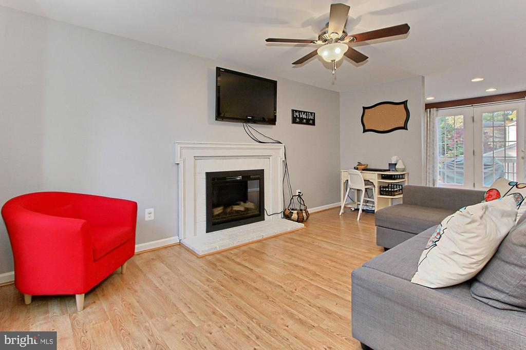 Family Room features Electric Fireplace - 9924 MANET RD, BURKE