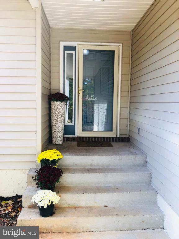 Nice wide entry way. - 108 INDIAN HILLS RD, LOCUST GROVE