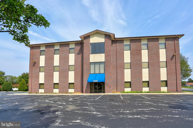 Single Family Homes 용 임대 에 1229 W LINCOLN HWY Coatesville, 펜실바니아 19320 미국
