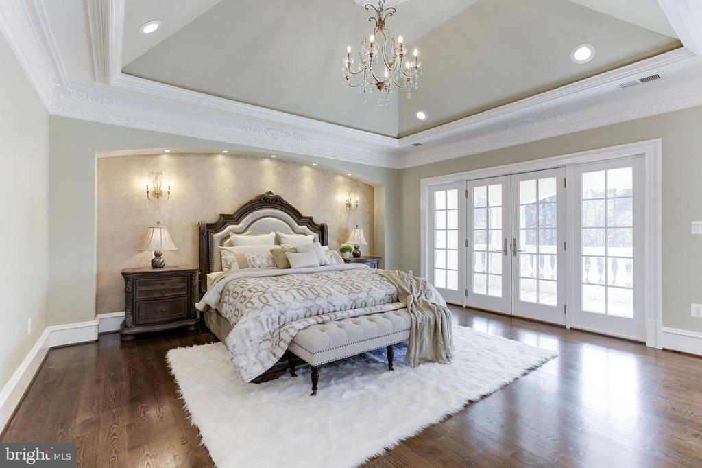 Luxurious master suite with balcony. - 11643 BLUE RIDGE LN, GREAT FALLS
