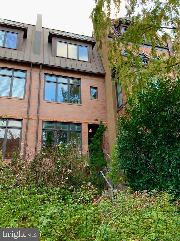 Exterior Front - 1324 FAIRMONT ST NW #B, WASHINGTON