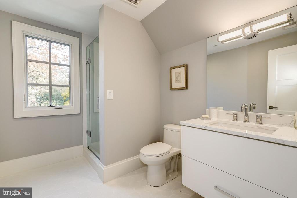 Full Bath - 3113 ALBEMARLE ST NW, WASHINGTON