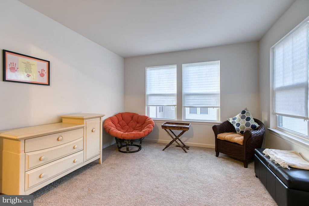 Sitting Area in Master Bedroom - 104 GERMANNA WAY #12, STAFFORD