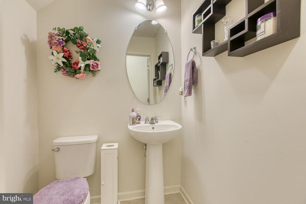 Powder room - 104 GERMANNA WAY #12, STAFFORD