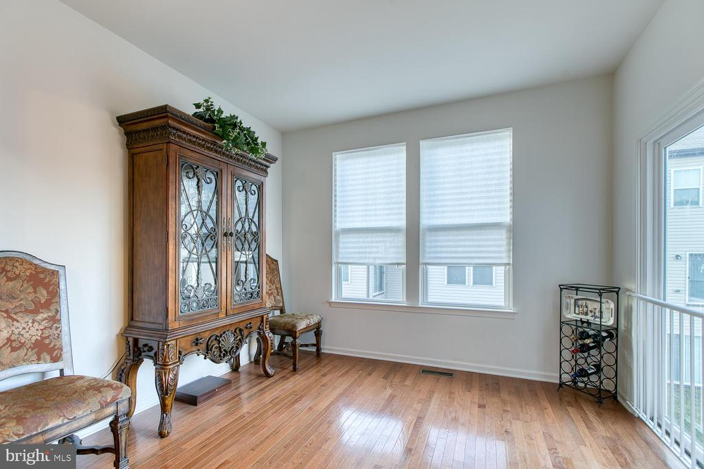 Bump-out on middle level off kitchen - 104 GERMANNA WAY #12, STAFFORD