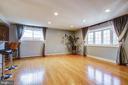 Living room. - 6017 ELMENDORF DR, SUITLAND