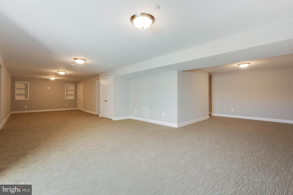 Additional photo for property listing at  Hughesville, Maryland 20637 Amerika Birleşik Devletleri