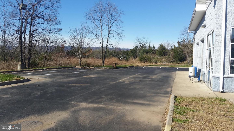 Additional photo for property listing at 33743 OLD VALLEY PIKE Strasburg, Virginia 22657 Estados Unidos