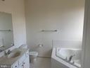 master bath - 5640 HARTFIELD AVE, SUITLAND