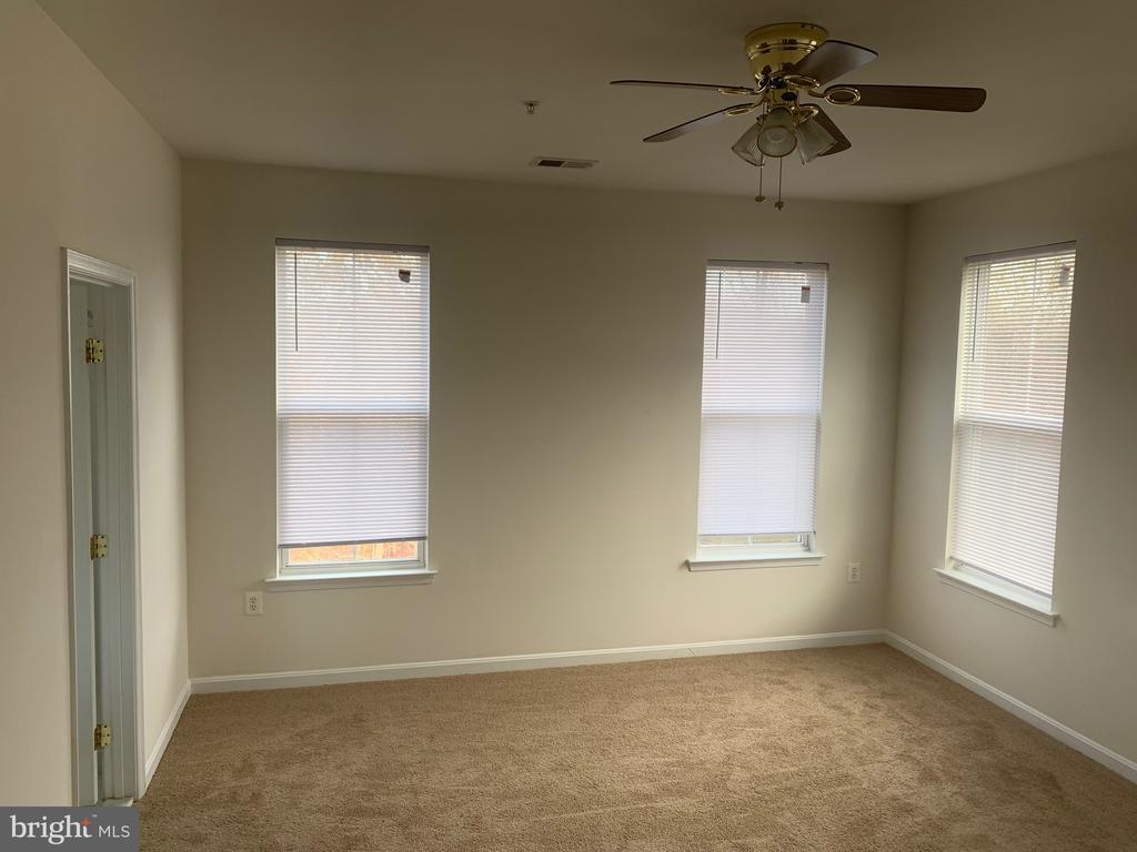 bed room - 5640 HARTFIELD AVE, SUITLAND