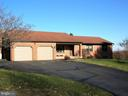 Beautiful well maintained Rancher on one acre - 4970 FLOSSIE AVE, FREDERICK