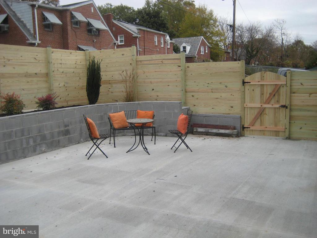 Fenced in backyard - 1438 MONTANA AVE NE, WASHINGTON