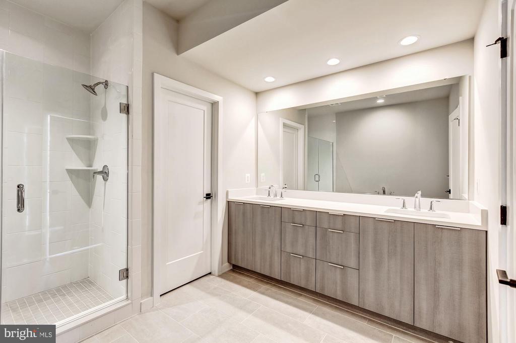 Smith Master Bathroom - 11716 PAYSONS WAY, RESTON