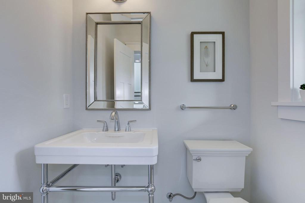 Powder Room - 3521 CUMMINGS LN, CHEVY CHASE