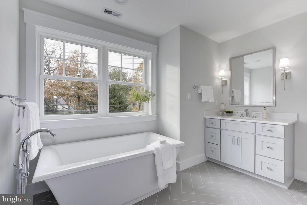 Master Bath - 3521 CUMMINGS LN, CHEVY CHASE