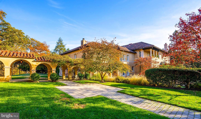 Single Family Homes för Försäljning vid Potomac, Maryland 20854 Förenta staterna