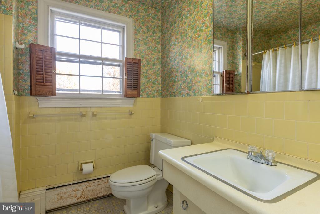 Master Bath - 3612 N GLEBE RD, ARLINGTON