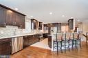 Amazing kitchen offers all the amenities - 416 WILDERNESS DR, LOCUST GROVE