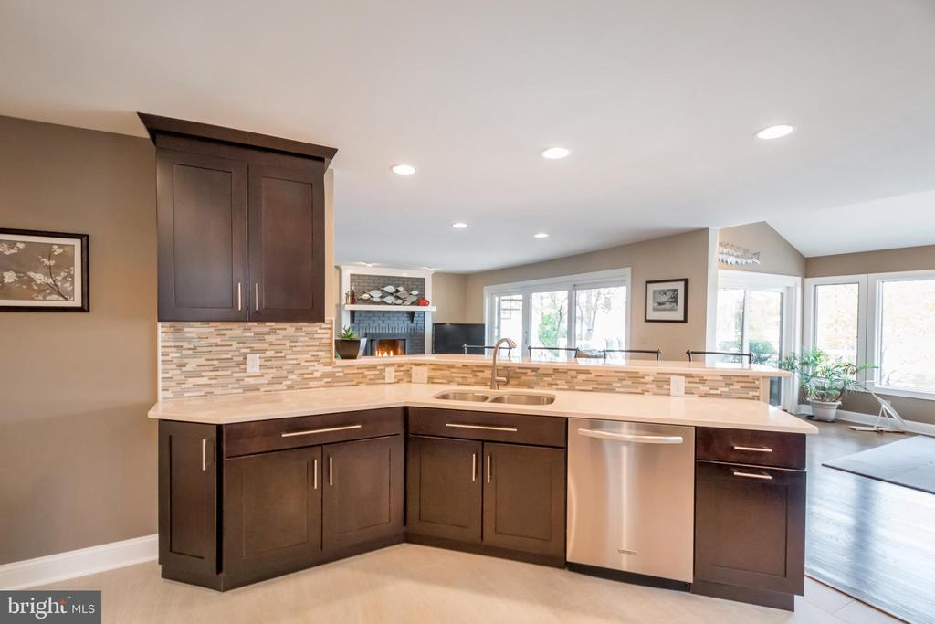 A kitchen with a view! - 416 WILDERNESS DR, LOCUST GROVE