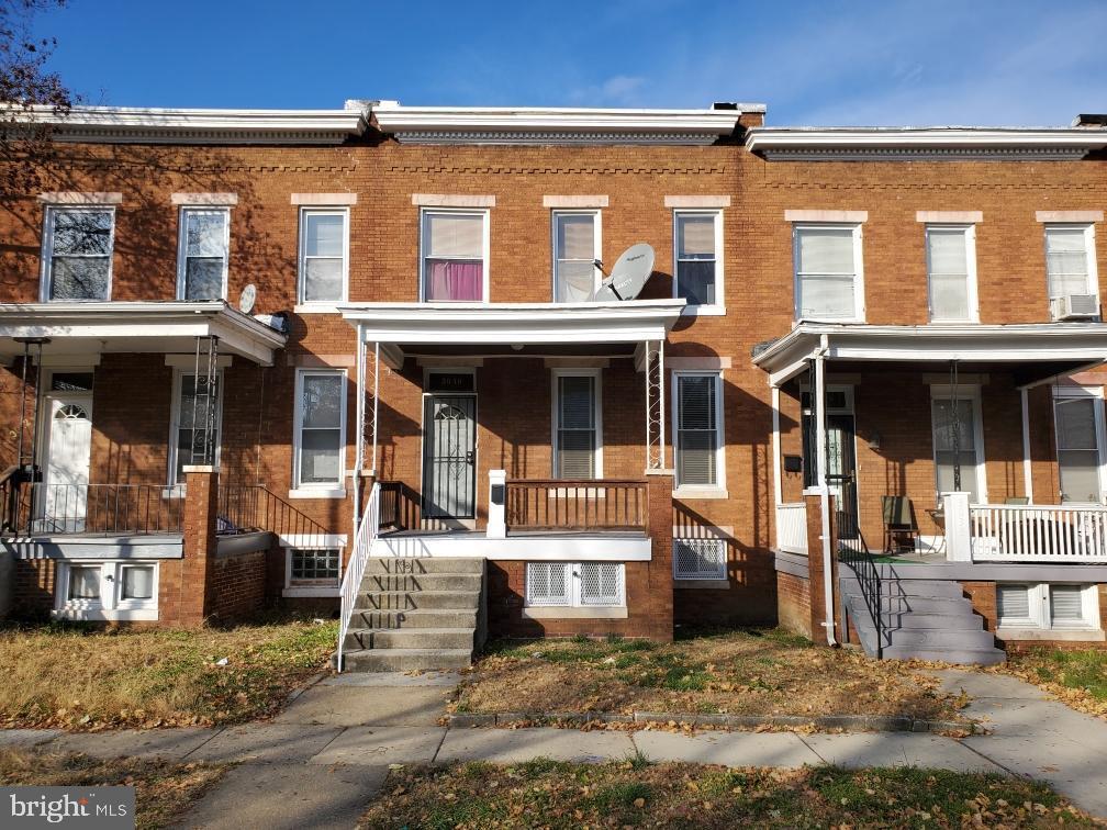 Single Family Homes のために 売買 アット Baltimore, メリーランド 21216 アメリカ