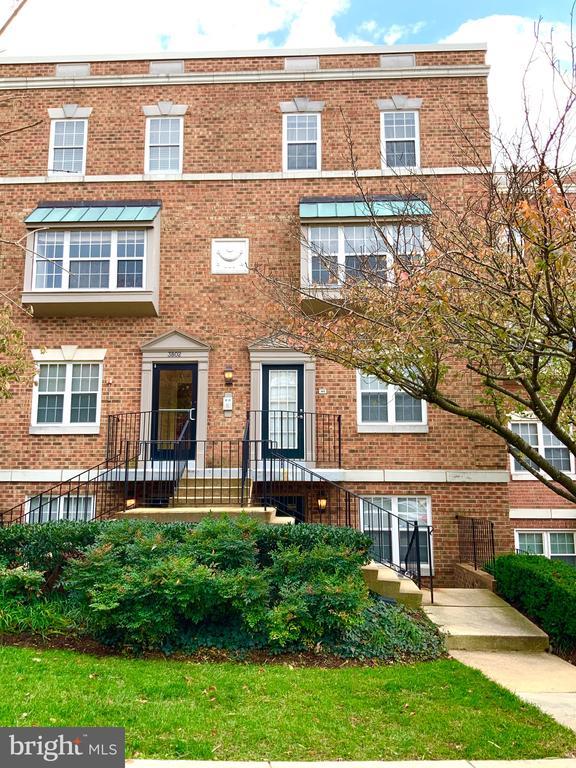 Exterior Front - 3802 PORTER ST NW #302, WASHINGTON