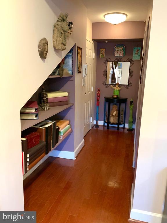 Entry Hall - 3802 PORTER ST NW #302, WASHINGTON