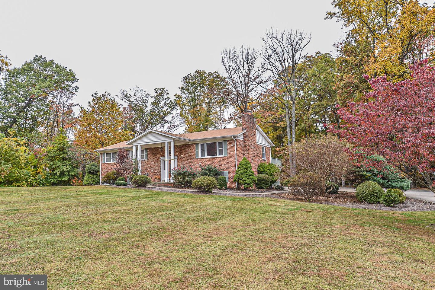 Photo of 12410 BENNETT RD, HERNDON, VA 20171