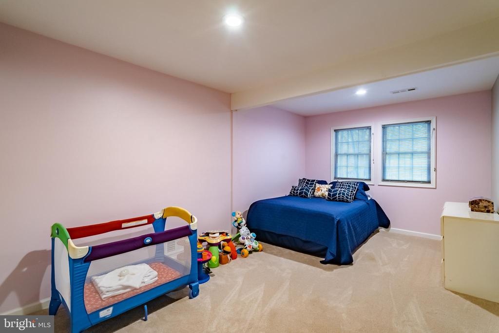 Secondary Bedroom - 132 E MEADOWLAND LN, STERLING