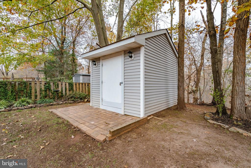 2nd Shed Conveys - 132 E MEADOWLAND LN, STERLING