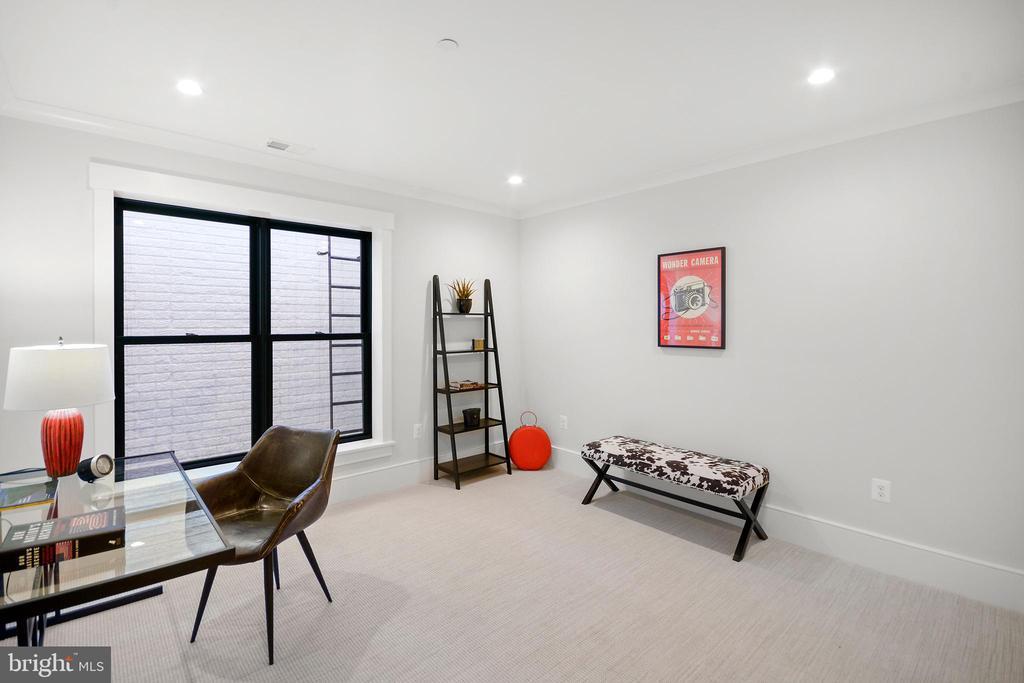 Fifth Bedroom/ Rear Office - 1432 G ST SE, WASHINGTON