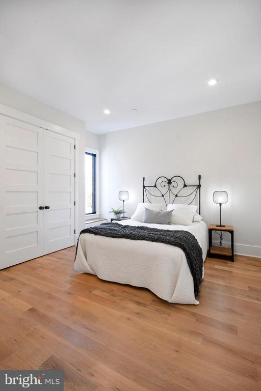 Middle Bedroom with floor-to-ceiling closets - 1432 G ST SE, WASHINGTON