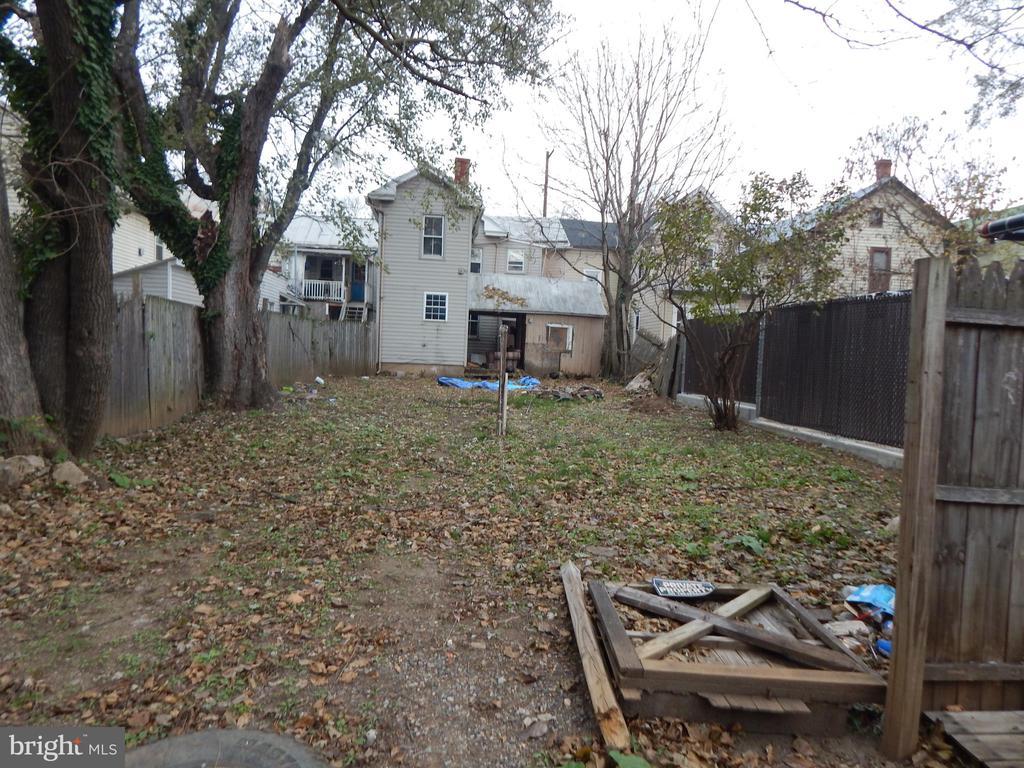 Backyard - 409 JOHN, MARTINSBURG