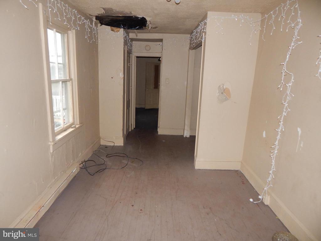 Bedroom - 409 JOHN, MARTINSBURG