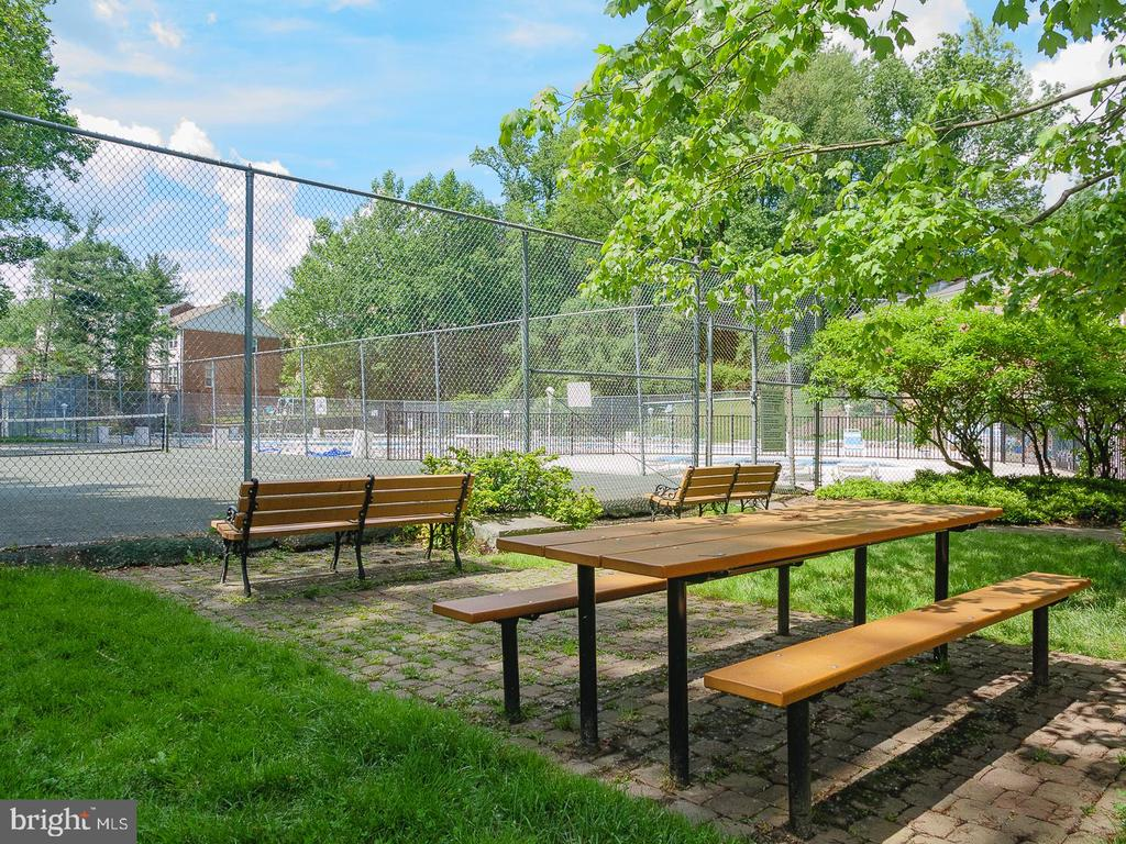 Two tennis courts - 10655 WEYMOUTH ST #101, BETHESDA