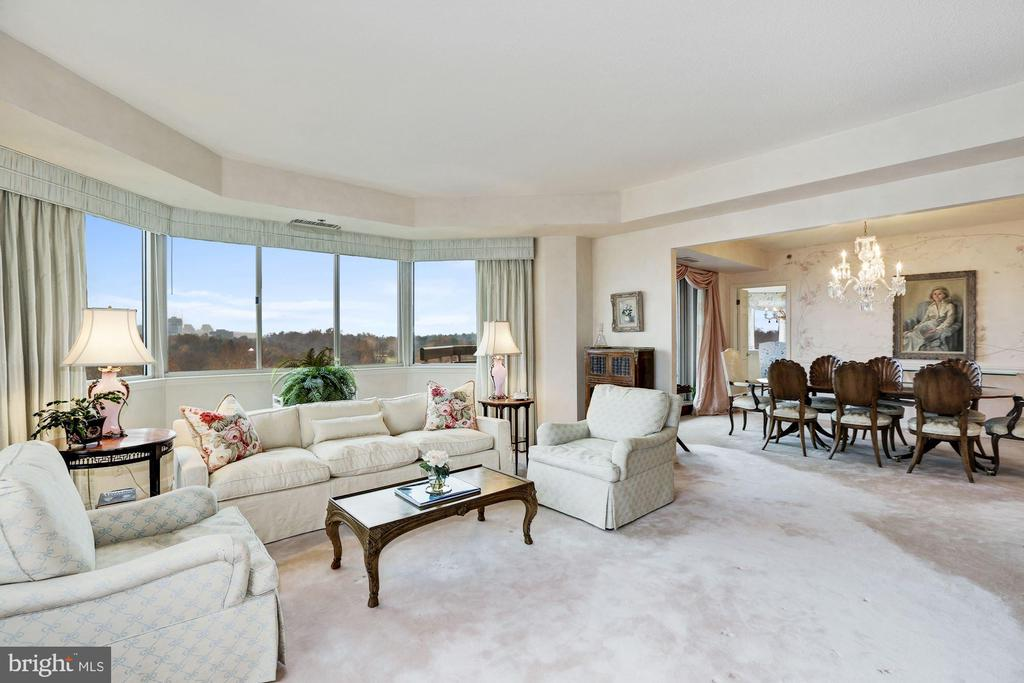 Living room with spectacular views - 5600 WISCONSIN AVE #1208, CHEVY CHASE