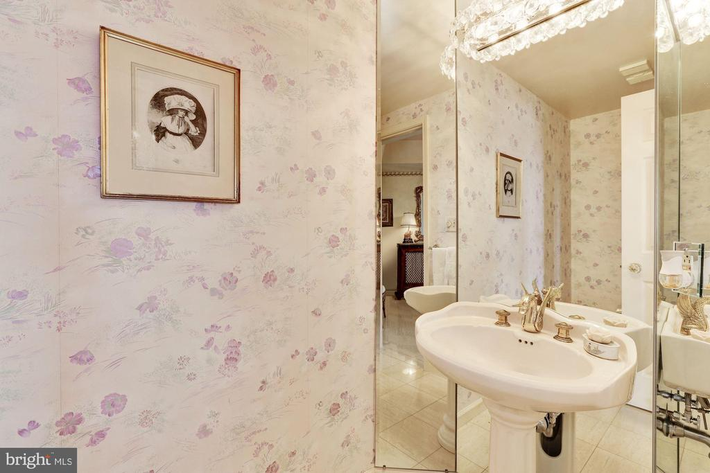 Powder room - 5600 WISCONSIN AVE #1208, CHEVY CHASE