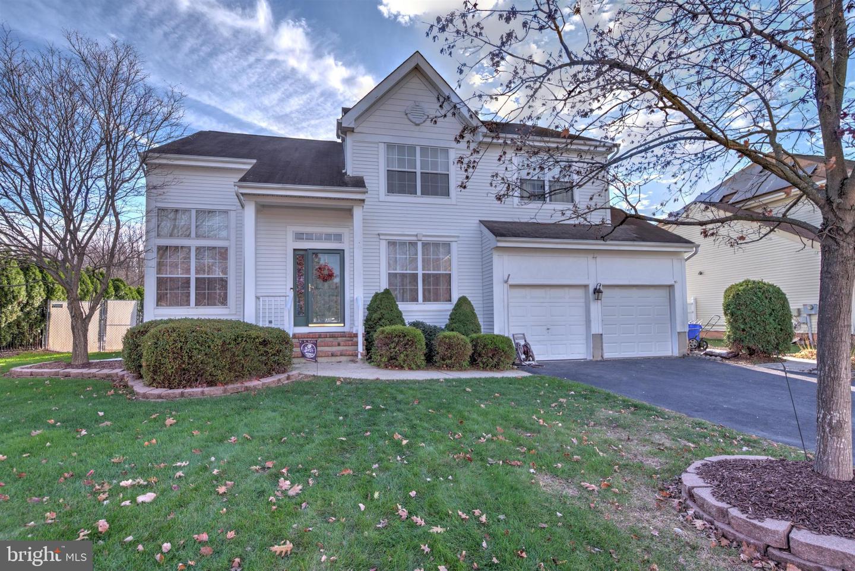 Single Family Homes för Försäljning vid Matawan, New Jersey 07747 Förenta staterna