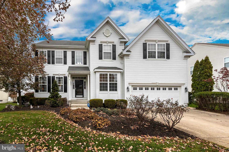 Single Family Homes pour l Vente à Lumberton, New Jersey 08048 États-Unis
