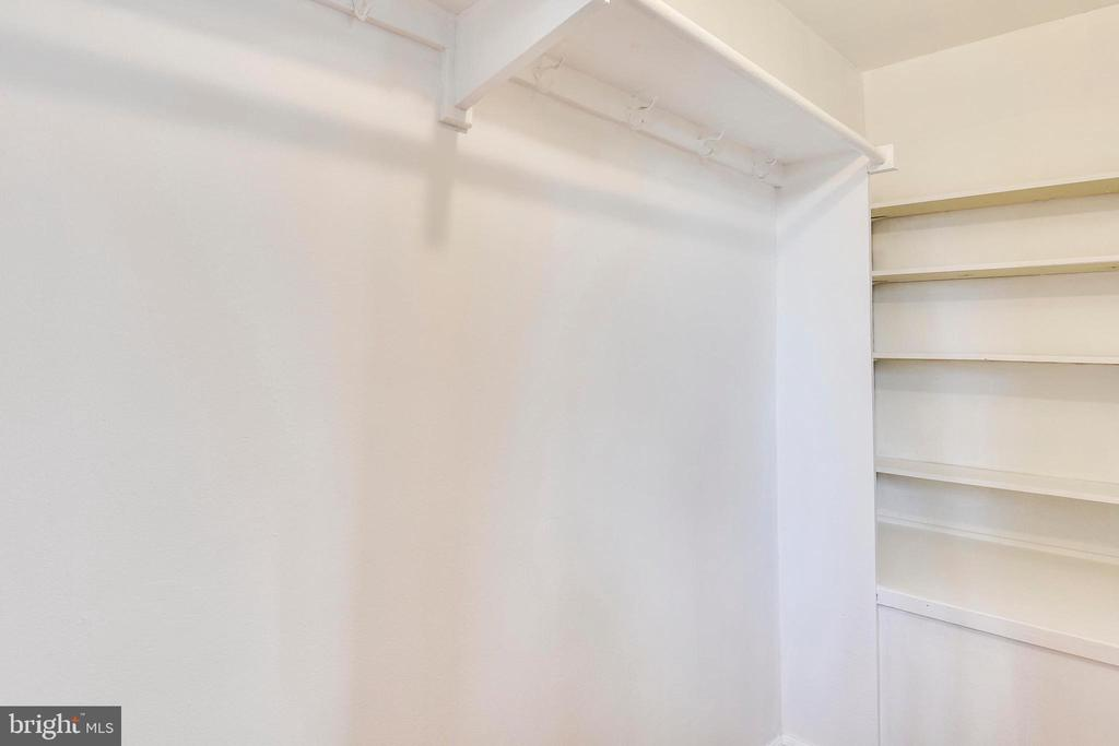 1 of 2 nice sized closets in master - 3327 S STAFFORD ST, ARLINGTON