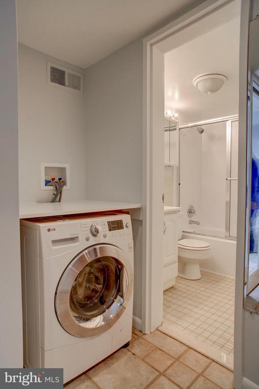 Combo W/D in studio apartment - 154 G ST SW #149, WASHINGTON