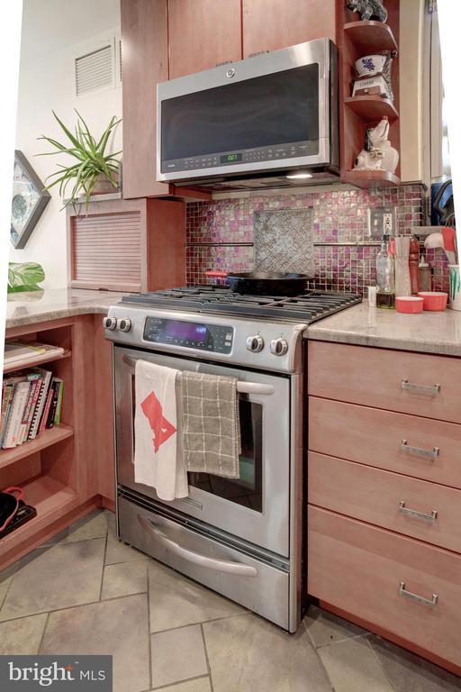 main unit kitchen - 154 G ST SW #149, WASHINGTON